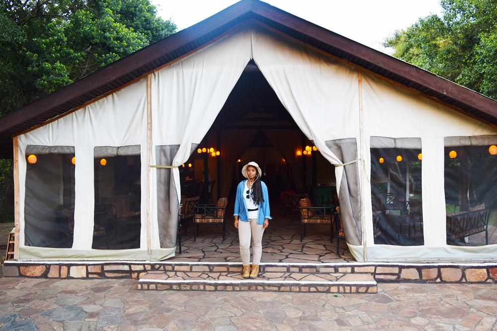 Traveler Lenzee at the sekenani camp in Kenya